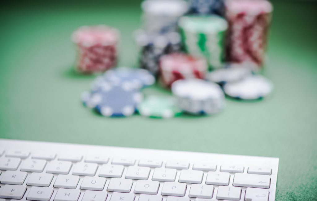 Are you tired of online slots? Card games give better odds –