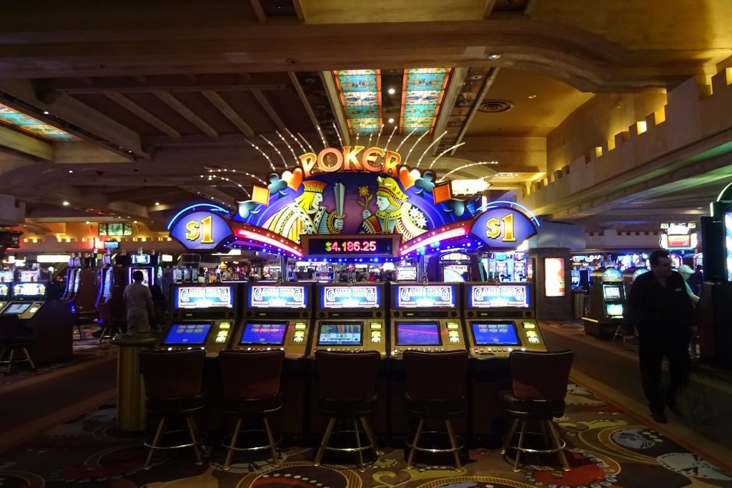 10 Slot Machine Tips & Secrets to Get the Most of Your Bankroll