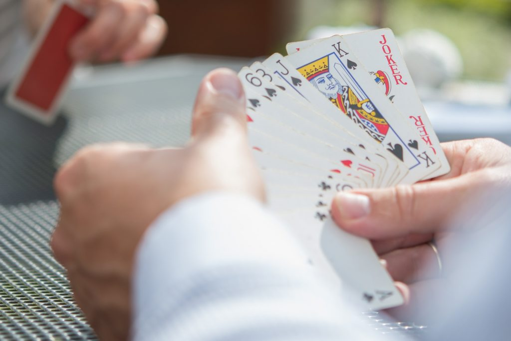 The Difference Between Bridge and Spades: Which is Better?