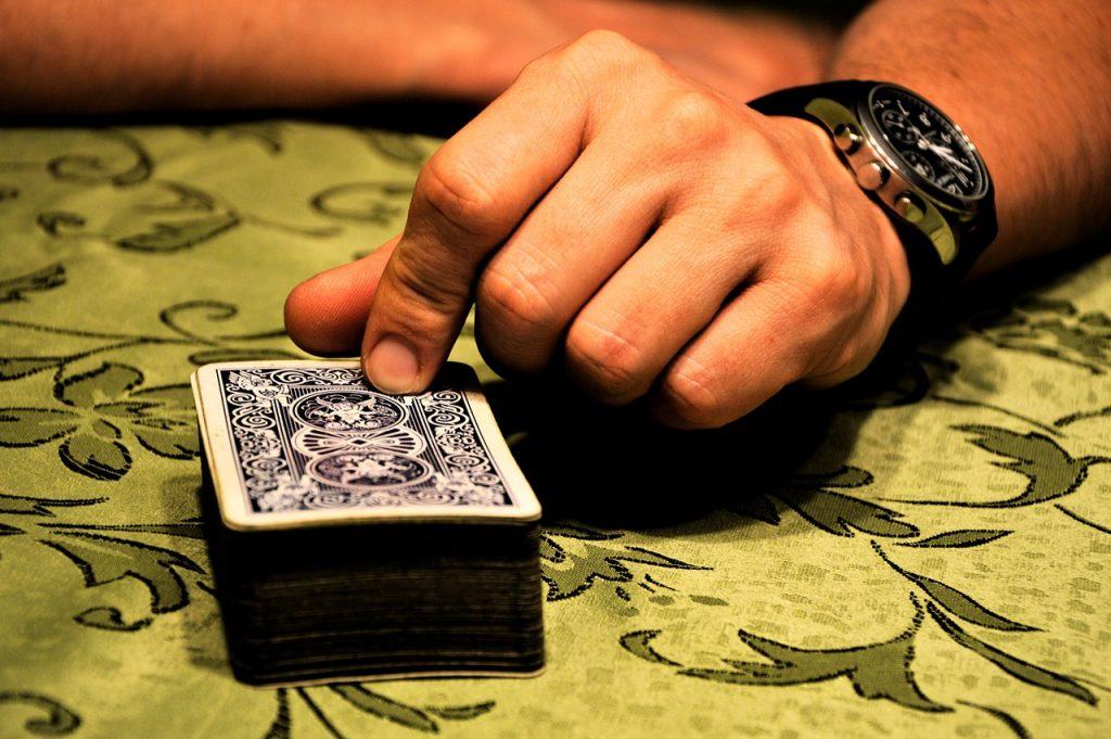 Winning at Blackjack: 5 Fundamental Rules For Beginners