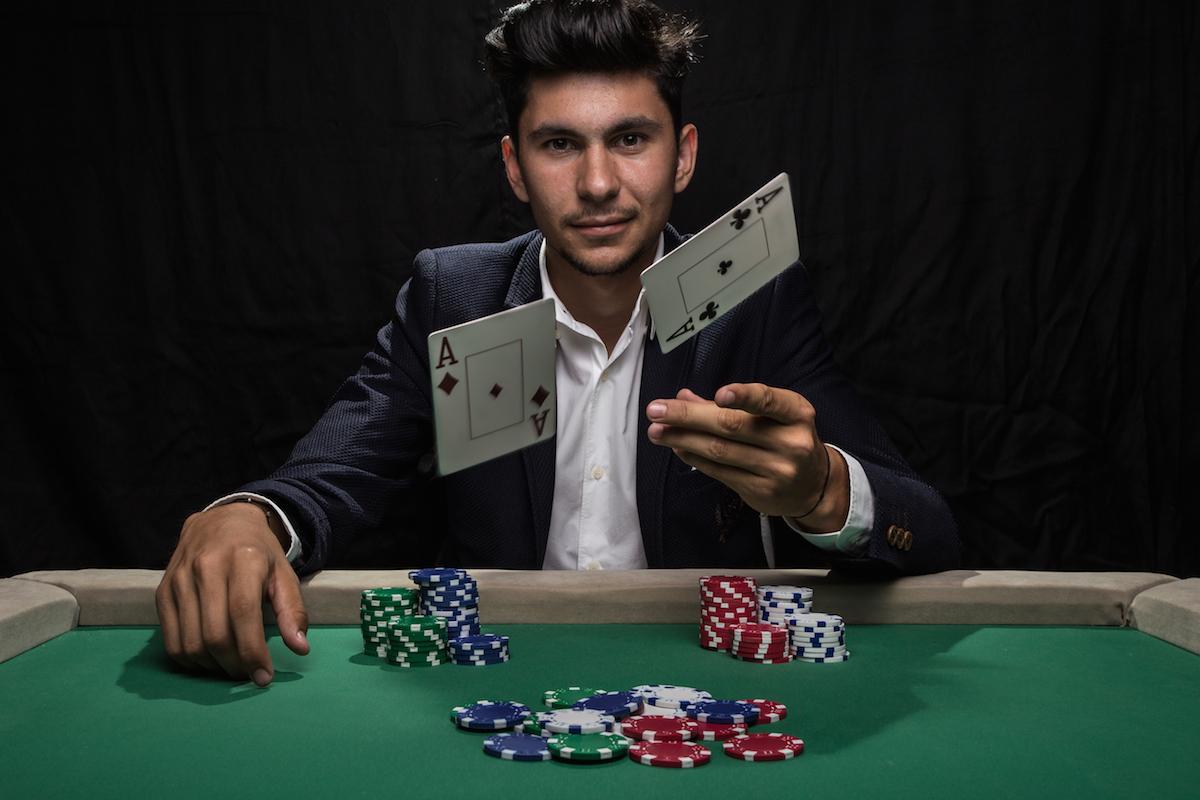 pokergiant.jpg