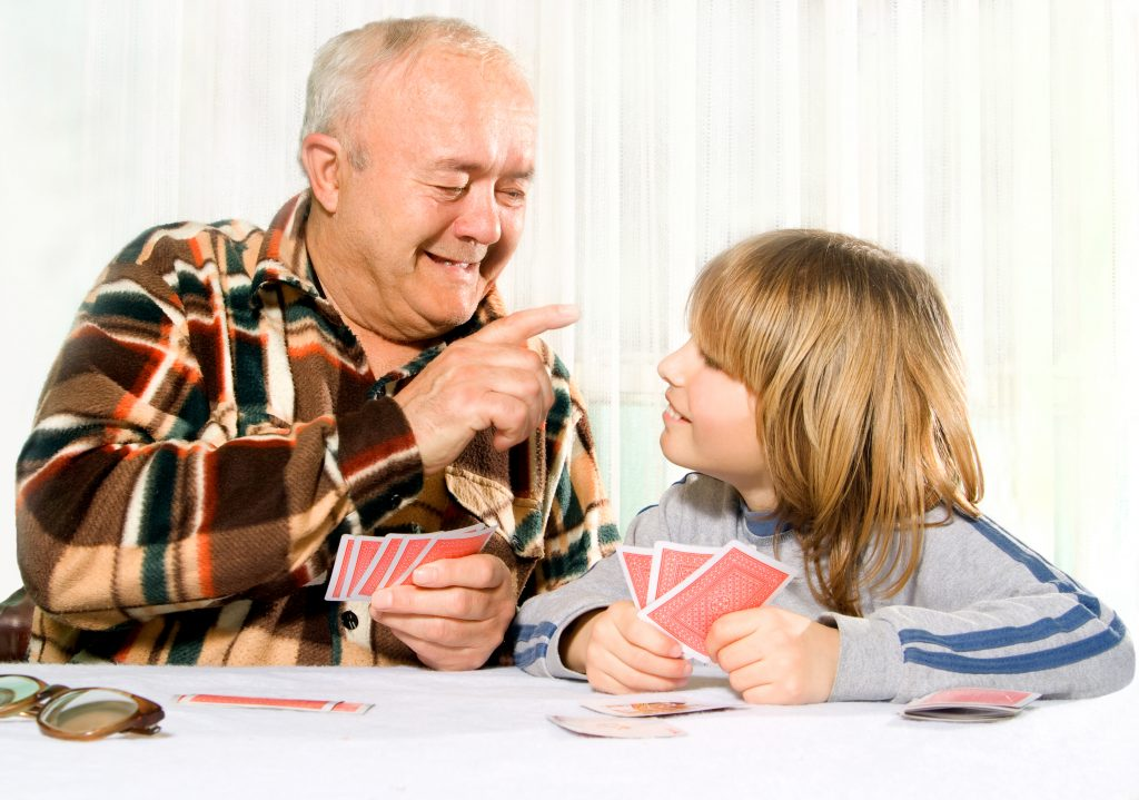 2 Casino Games that You can Play at Home, Even With your Kids