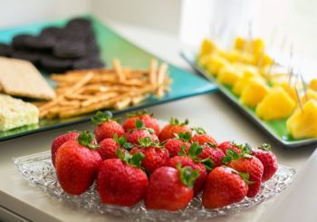 Snacks to feed your guests at a card party