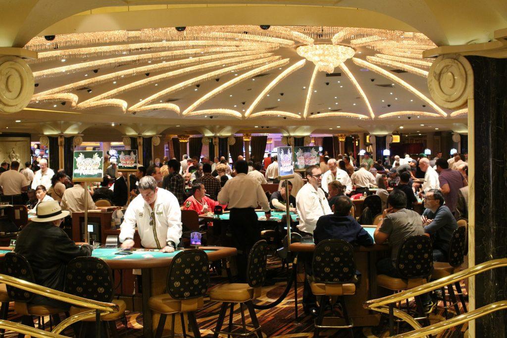 6 Amazing Poker World Records
