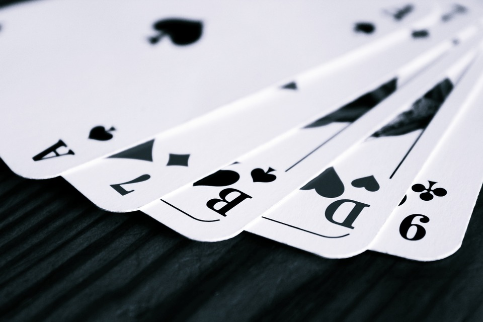 How to Play in Online Casinos the Safe Way?