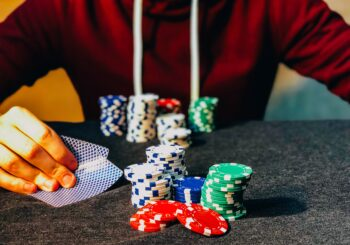 How to Play Short Deck Hold 'em - great Bridge Links